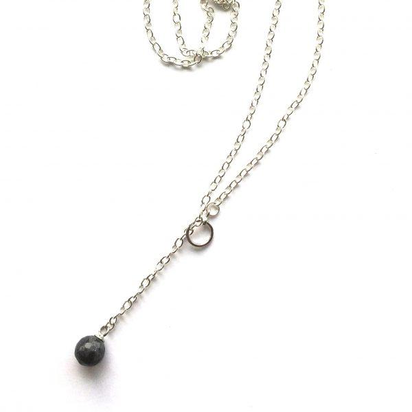 grå-sort-smykke-halskjede