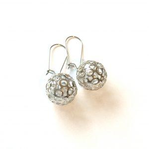 kule-stål-sølv-øreanheng-ørepynt