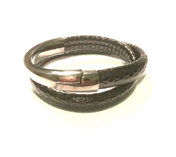 sort-stormote-armbånd