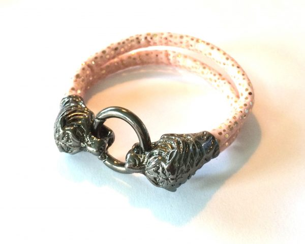 rosa-drage-lås-armbånd