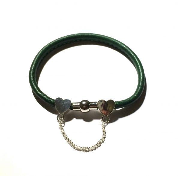 grønn-lammeskinn-magnet-armbånd