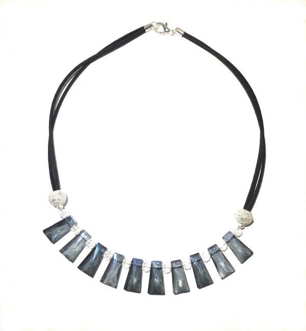 sort-blå-smykke