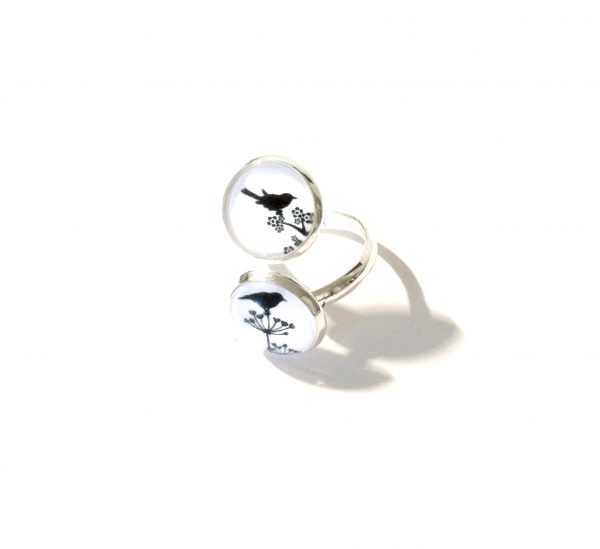 hvit-sort-fugl-bur-justerbar-onesize-ring