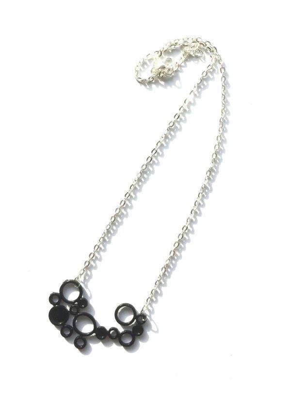 sort-geometrisk-smykke-halskjede