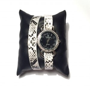 hvit-sort-dyrerint-klokke