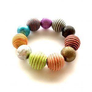 fargerikt-statement-tøff-elastisk-armbånd