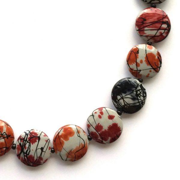 orange-rød-sort-smykke