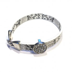 hvit-sort-slange-print-armbånd