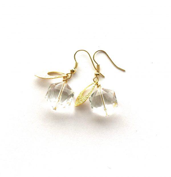 blank-gull-glass-ørepynt-øreanehng