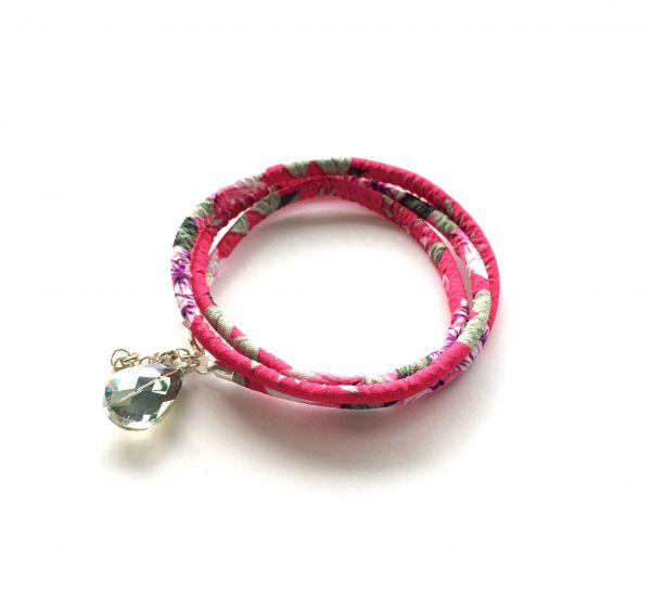 rosa-tekstil-grønn-glass-dråpe-armbånd