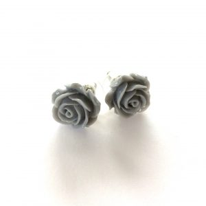 grå-rose-blomst-øredobber-ørepynt