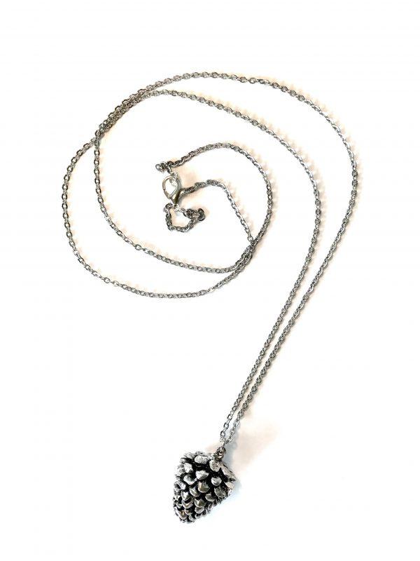 sølv-kongle-smykke-halskjede
