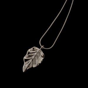 sølv-blad-smykke-halskjede