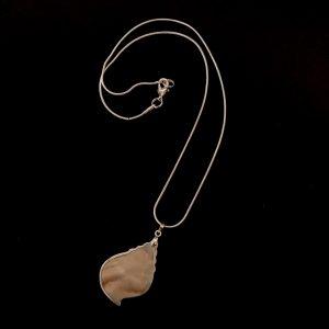 skjell-perlemor-maritim-sølv-smykke-halskjede