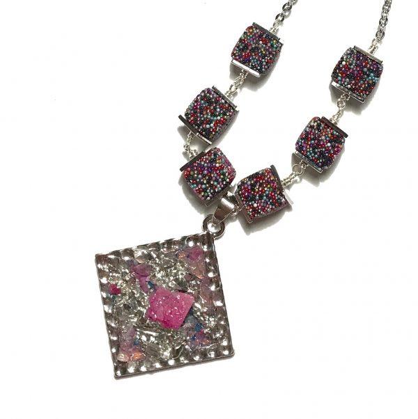 rosa-stein-smykke-halskjede