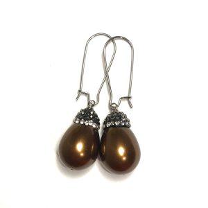 brun-perle-bling-glitter-ørepynt-øreanheng