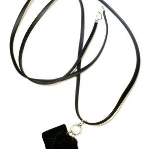 tøff-gummi-sort-smykke