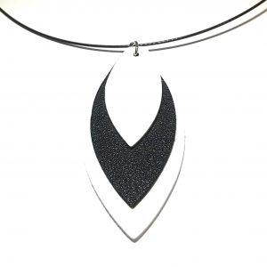 sort-klave-wire-smykke