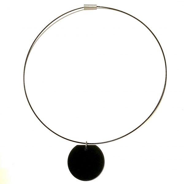 sort-wire-klave-smykke