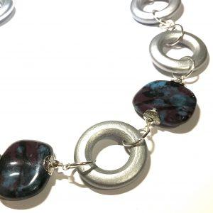 blå-lilla-keramikk-tre-statement-smykke