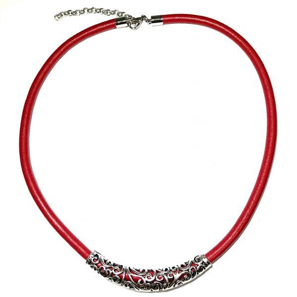 rød-lammeskinn-smykke