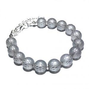 grå-sølv-glass-armbånd