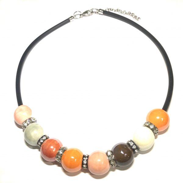 orange-keramikk-gummi-sort-smykke