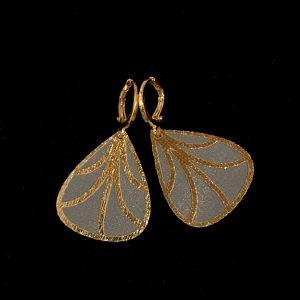 14K-gull-hvit-sommerfugl-vinge-øreanheng-ørepynt