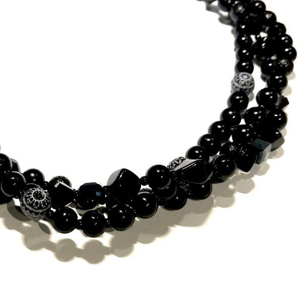tykt-sort-statement-smykke-halskjede
