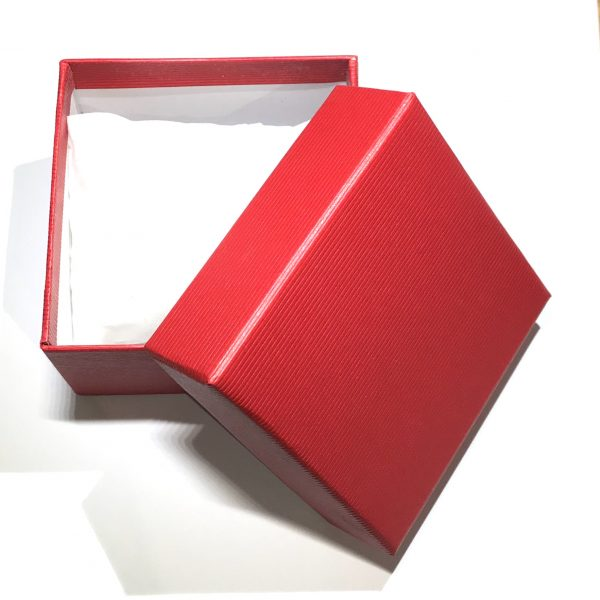 rød-klokke-armbånd-gaveeske