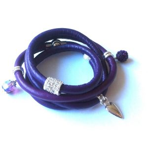 lilla-lammeskinn-lær-crams-armbånd