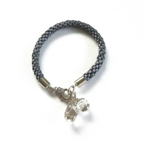 grå-silke-kumihimo-flette-armbånd