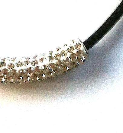 sort-bling-glitter-lær-smykke
