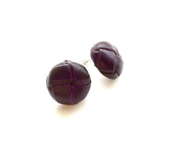 lilla-lær-øredobber-ørepynt