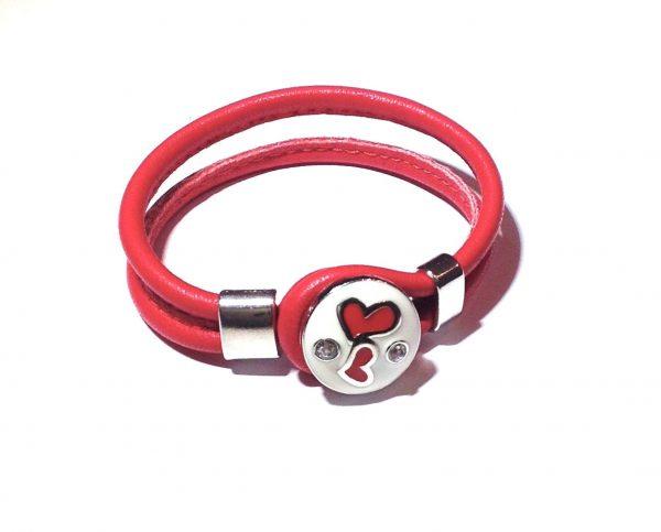 rødt-hjerte-armbånd-lammeskinnsarmbånd