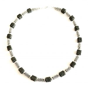 halskjede-smykke-lavasmykke