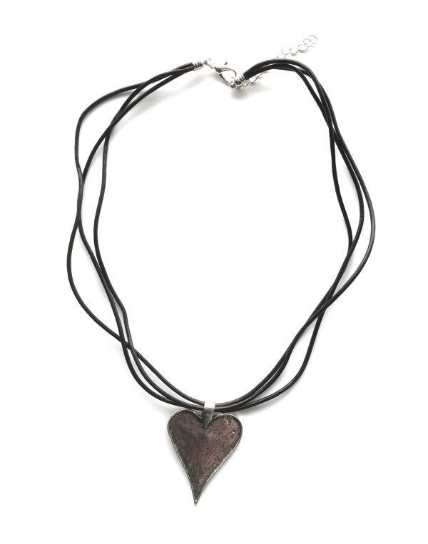 hjertesmykke-smykke-halskjede-lærsmykke