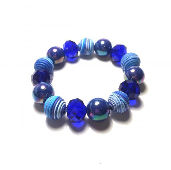 blått-håndlaget-armbånd