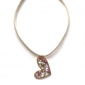 beige-lammeskinn-hjerte-smykke-halskjede