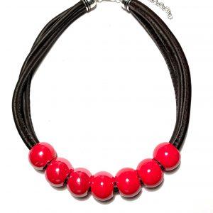 rød-keramikk-lammeskinn-smykke