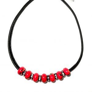 rød-keramikk-lammeskinn-smykke-halskjede