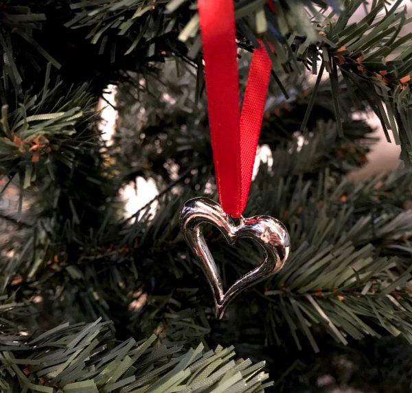 hjerte-rød-juletrepynt