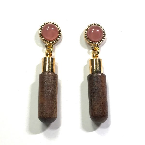 tre-rosa-søt-tøff-ørepynt-øredobber-øreanheng