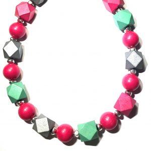 fargerikt-tre-smykke-halskjede