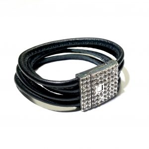 sort-lær-skinn-lammeskinn-armbånd-magnet-rhinsten