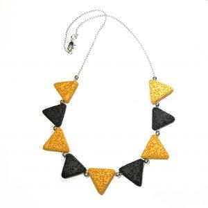 gul-sort-lava-smykke-halskjede