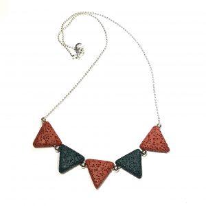 grønn-rustrød-lava-smykke-halskjede