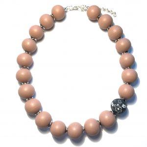 rosa-tre-smykke-halskjede