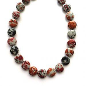 rød-orange-sort-smykke-halskjede