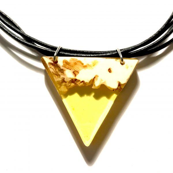 gult-tre-lær-skinn-smykke